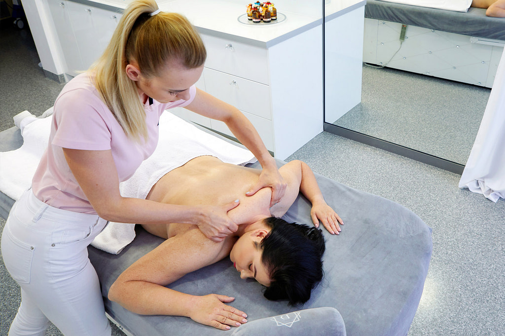 masaż w drzazga clinic chorzów masaz